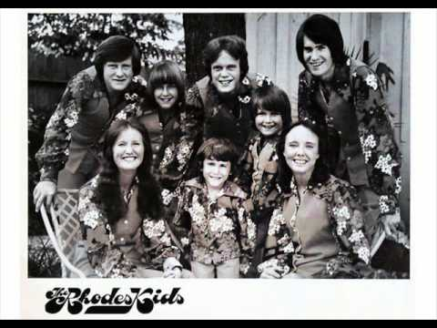 Mark Rhodes (The Rhodes Kids) sings I Gotcha