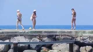 утопия ворлд отель. на пляже. пирс.2015г июнь.(колоритные фигуры на пирсе отеля утопия ворлд июнь 2015г., 2015-10-25T17:51:42.000Z)
