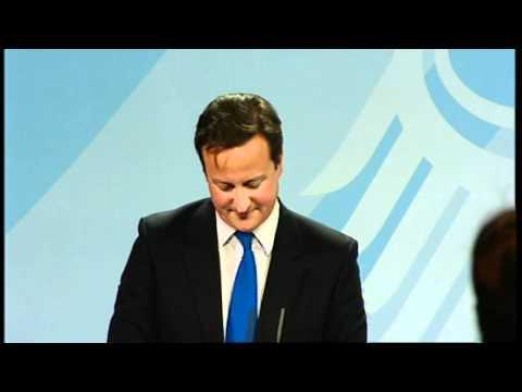Matt Frei wows Cameron and Merkel with his language skills