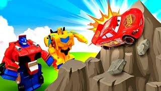 Роботы трансформеры спасают Маквина! Видео с машинками. Игры для мальчиков