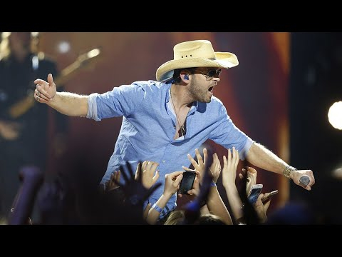"Dean Brody ""Bring Down The House"" - Live at the 2016 JUNO Awards"