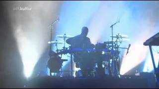 Massive Attack - Teardrop (Live - Melt Festival 2010)