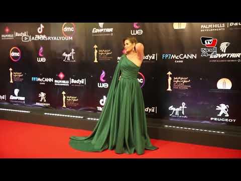 هنا شيحة بفسان جذاب وا?حمد مجدي بإطلالة أنيقة في افتتاح القاهرة السينمائي  - نشر قبل 24 ساعة