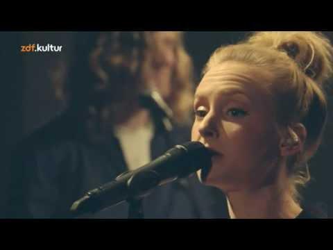 Leslie Clio - I Couldn't Care Less (Live 2013 Bauhaus)