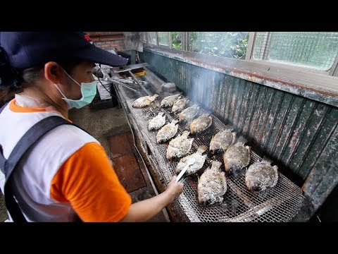 TAIWANESE BBQ - HUGE Fish BBQ from Taiwanese ABORIGINAL   East Coast Taiwan Food Tour pt. 2