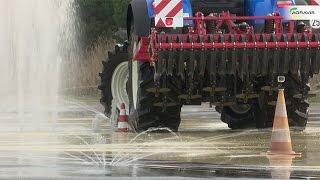 Mit 400 PS: Traktoren-Fahrsicherheitstraining der Newtec