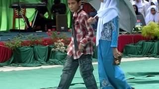 "Video Penampilan kabaret""Malin Kundang"" SMPN 35 Pekanbaru  tahun 2016 download MP3, 3GP, MP4, WEBM, AVI, FLV Maret 2018"