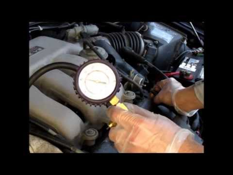 Fuel pressure testing on a Ford Taurus or Sable Duratec - YouTube