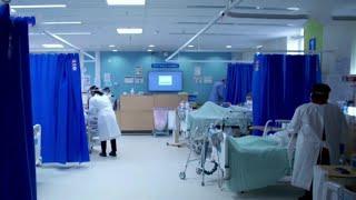 Все более жесткие меры принимают в Великобритании из за нового штамма коронавируса