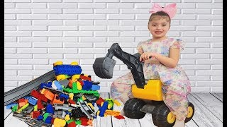 Dominika Unboxing new toy and play with POWER WHEEL excavator