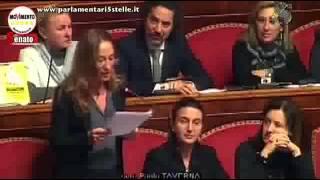 La senatrice M5S Paola Taverna umilia Berlusconi, il PDL sbrocca
