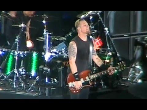Metallica - Paris, France [2004.06.23] Audience Shot - 1st Source