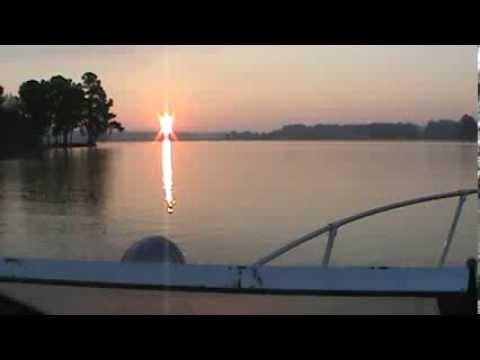 Sunrise boat ride on Lake Wylie