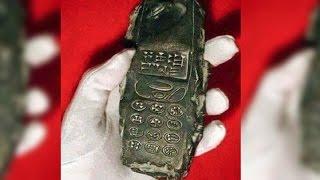 【閲覧注意】800年前の携帯を発見!タイムトラベラー?不思議の多い謎な衝撃画像まとめ(オーパーツ) thumbnail