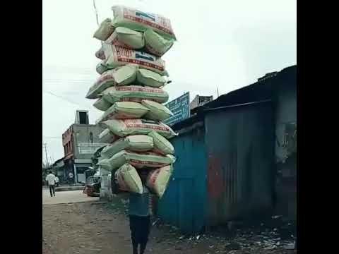 Download MTU mwenye NGUVU ZA AJABU ANGALIA MIZIGO ALIYOBEBA... 👒👒👒