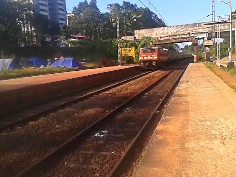 Train arrival & announcement @ Thiruvalla