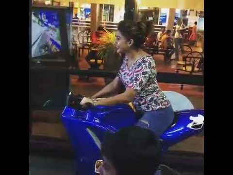 Piyumi Hansamali New Video I පියුමි හන්සමාලිගේ අලුත් වීඩියෝ එක