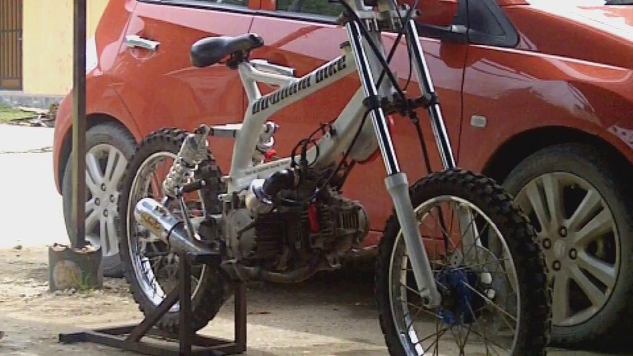 Modifikasi Suzuki Smash Jadi Motor Downhill