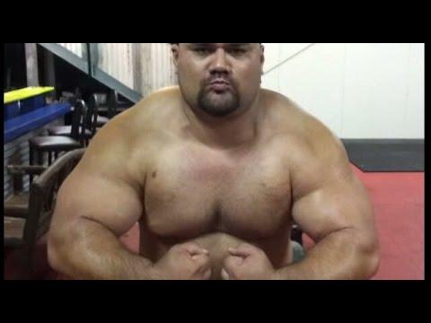 505 Pound Bench Press Easy Fat Boy Flexing Youtube