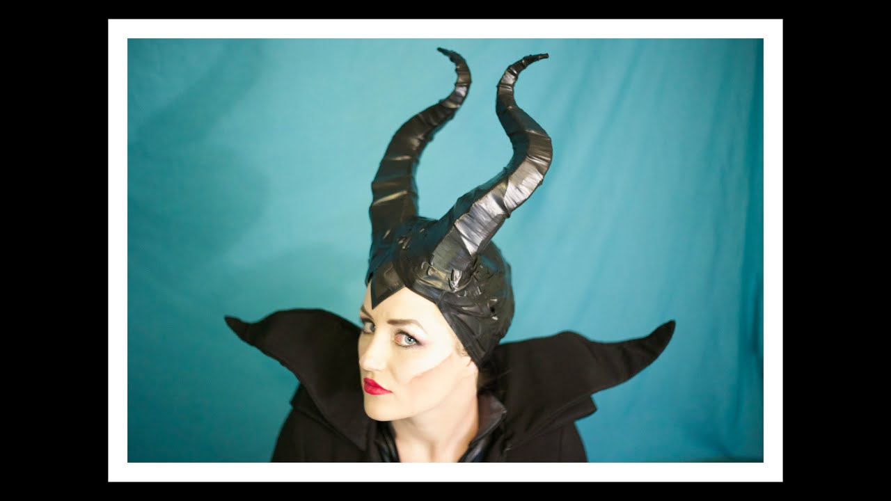 The headpiece features black molded horns and a cap that goes down right above your eyes. An embroidered bat is stitched into the faux leather cap. Top off your Maleficent costume with this intimidating headpiece.