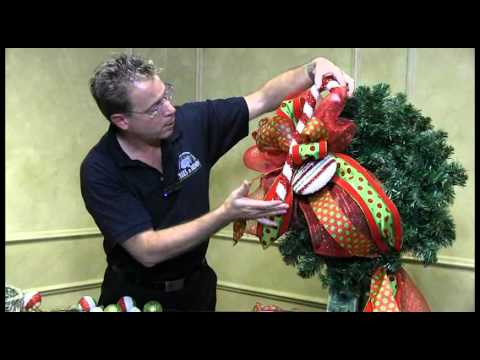 How To Decorate A Christmas Wreath Trees N Trends