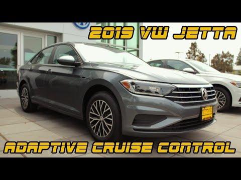USING ADAPTIVE CRUISE CONTROL: ALL-NEW 2019 VW Jetta
