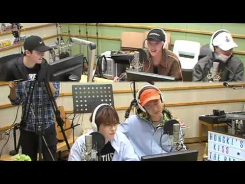 WINNER's Seungyoon singing Love Sick by FT ISLAND on Kiss the Radio