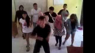 Yks hias kelas SMK N 1 kotamobagu, XII Multimedia 2