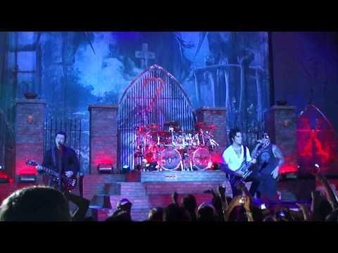 Avenged Sevenfold - Welcome to the Family Rockstar Uproar Festival Houston Texas 2010