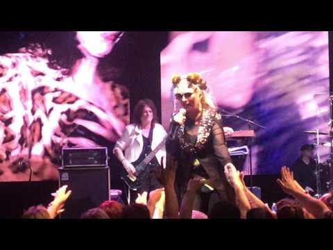 Blondie - Toronto - July 26, 2017 - One Way, Telephone, Fun, Call Me, My Monster, Rapture