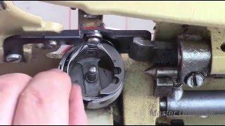 видео Почему в швейной машинке рвется верхняя нить? Что делать, как этого избежать?