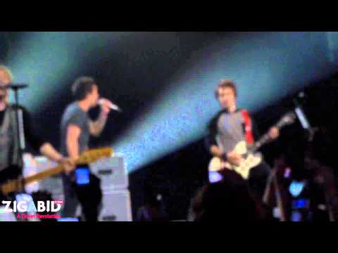 Simple Plan performs Shut Up at The Music Box 10.28.11 HD