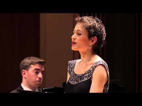 SCHUMANN Widmung - Amy Broadbent, soprano - 2014
