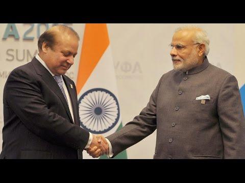 PM Modi Meets Nawaz Sharif in Ufa !!!