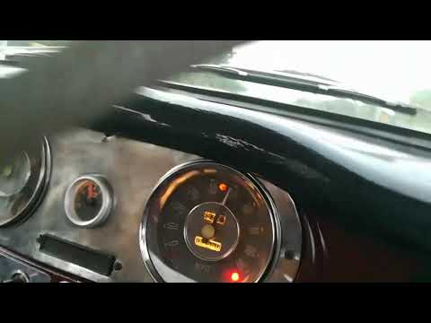 Hindustan Ambassador 1962 top speed 140kmph