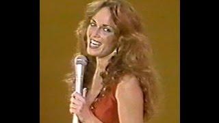 Video Catherine Bach on The Nashville Palace - 1980 download MP3, 3GP, MP4, WEBM, AVI, FLV Juli 2018
