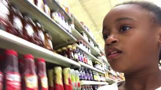 grocery shop racing in walmart me lexi vs nette liese