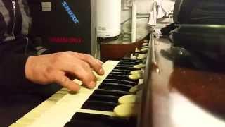 Hammond M-101 Organ
