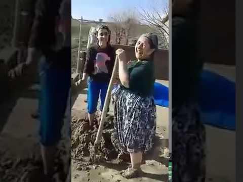 Te Ma etmaje şarkısıyla dans eden teyze