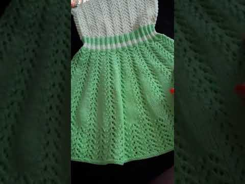 Вязаные спицами нарядные платья для девочек