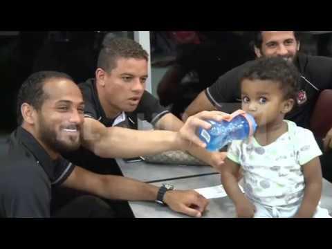 سعد سمير وموقف كوميدى مع طفل بمطار بوتسوانا 😂👶🍼