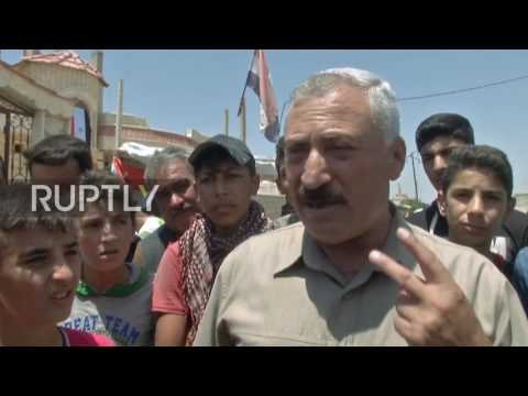 Syria: Russian servicemen bring humanitarian aid to villages in Hama