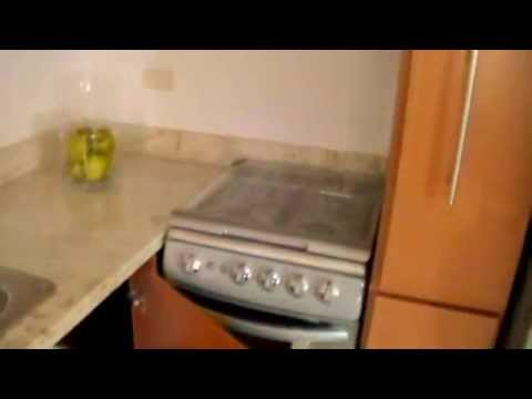 Cocinas de pvc con granito para fraccionamiento youtube for Puertas 180 grados