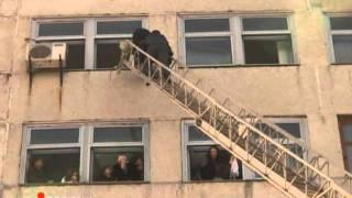 Тема 04   Основы пожарной безопасности  Средства тушения пожаров  Действия при пожаре(, 2011-09-03T19:09:55.000Z)