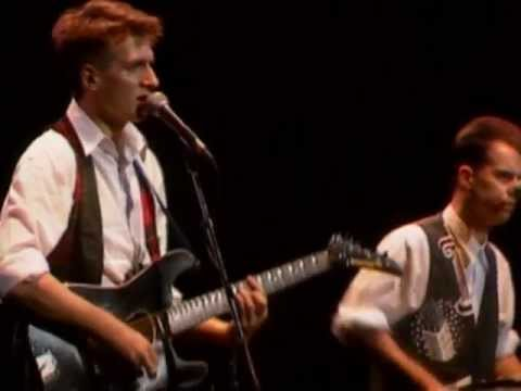 Crowded House - Sister Madly (live in Sydney, 1988)