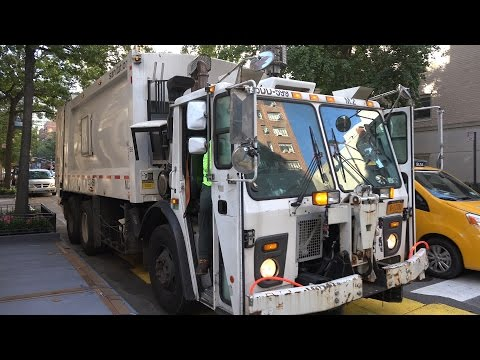 Garbage Trucks: DSNY - New York's Strongest