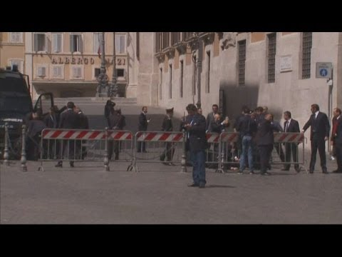 Italy: Shooting outside prime minister's office