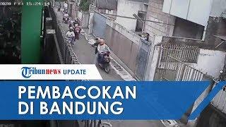 Viral Video Detik-detik Pria Bacok Pengendara Motor dengan Brutal di Bandung, Ini Kronologinya