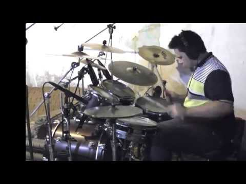 Paulo jiraya tocando Temperamental Mr. Big