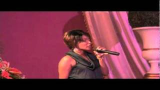 Nancy Amancio canta Arrebato  (en vivo Curacao)
